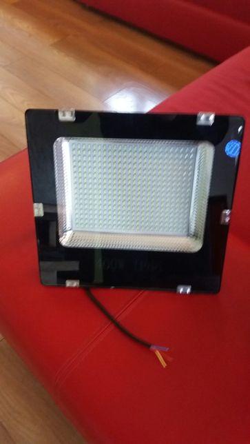 Lampa led naswietlacz 400 w 230v