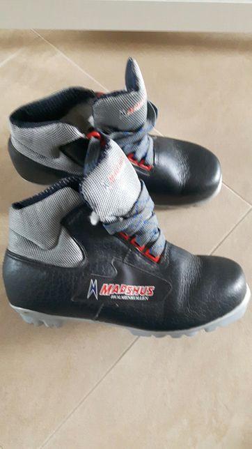 Buty do nart biegowych roz 37