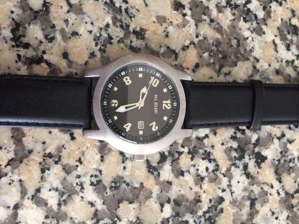 Relogio novo tamanho 40mm bracelete em pele