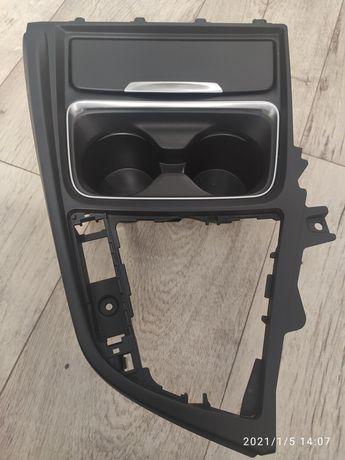 Накладка центральной консоли (Подстаканник) BMW 3 F30, F32, F36, f31