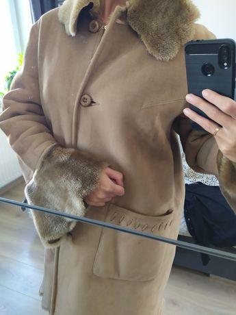 Brązowy kożuch z futerkiem ze skóry ekologicznej