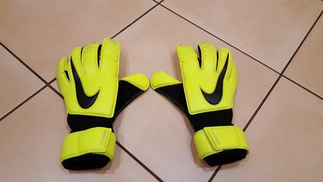 Nowe rękawice bramkarskie Nike Vapor Grip 3 r 6