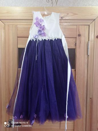 Продам выпускное платье на 5-7лет