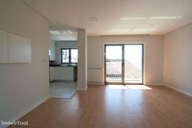 Apartamento T2 novo a 5 minutos do centro