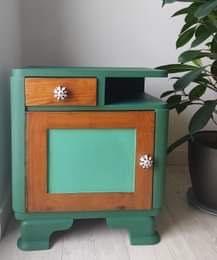 Drewniana szafka nocna, stolik nocny, nakastlik