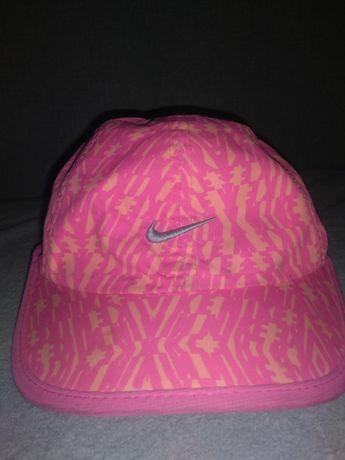 Firmowa czapeczka NIKE dla dziewczynki