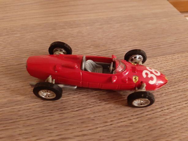 Ferrari 1961 seria 156 F1 czerwona wyścigówka kolekcja resoraki autko