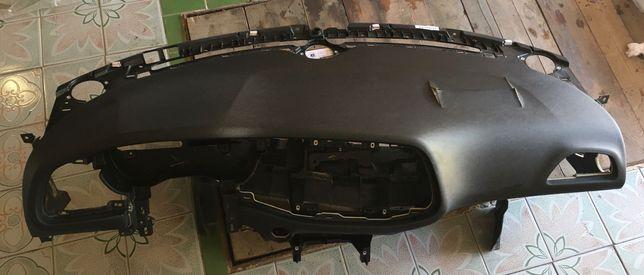 Панель приборов (торпедо) Dodge Challenger