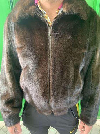 Норковая куртка из натуральных шкурок.