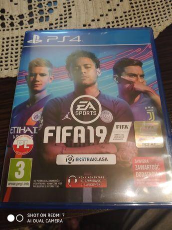 Gra FIFA19 na PS4 po polsku