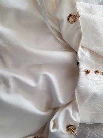 Sukienka Ismena lou biała piórka