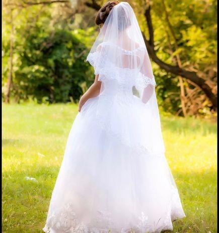 Продам Свадебное платье +подарок