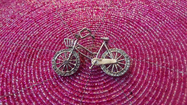 Broszka srebrny rower