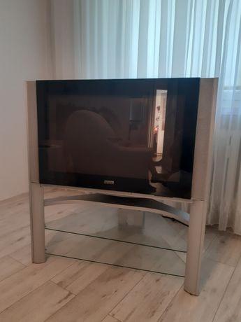 Telewizor ze stolikiem