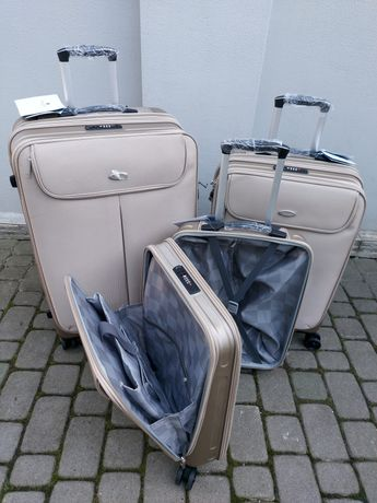 SNOWBALL 61903 Франція валізи чемоданы сумки на колесах