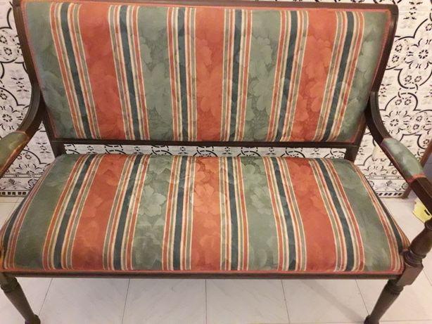 Canape de wall de entrada