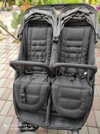 Wózek spacerowy podwójny dla bliźniąt lub dzieci rok po roku. Używany