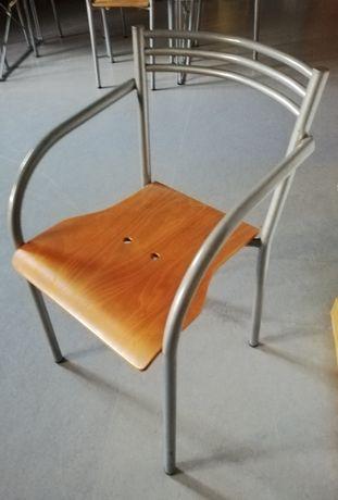 Cadeira madeira e metal