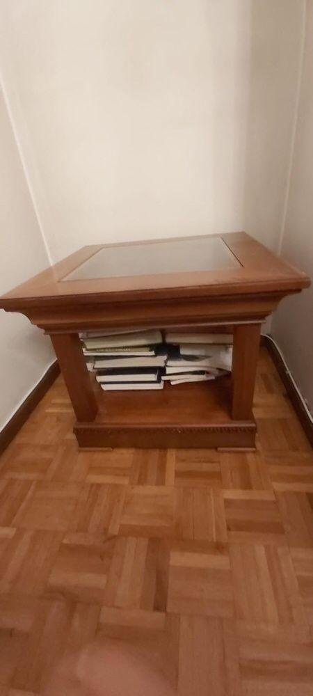 20€ Mesa de apoio em cerejeira quadrada