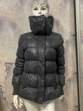 Sisley пуховик Versace пальто  Gucci Dolce