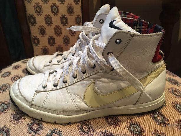 Nike кроссовки р.38