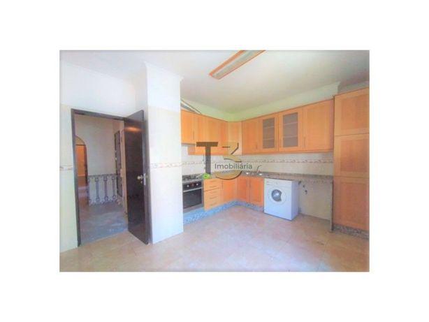 Apartamento T3 (por remodelar ou remodelado) - Carnaxide,...