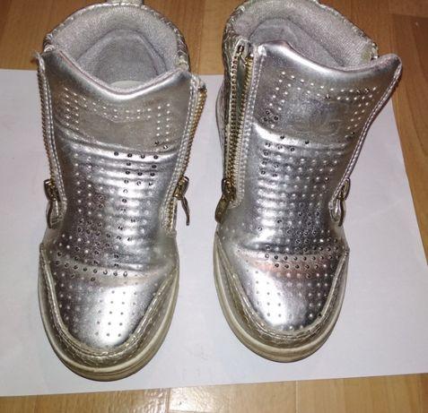Обувь (ботинки, полуботинки) детские 29р