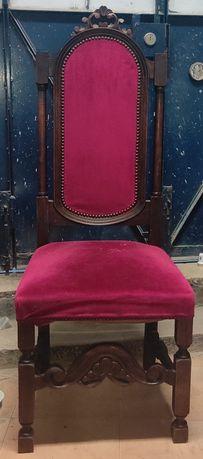 Cadeira antiga em excelente estado