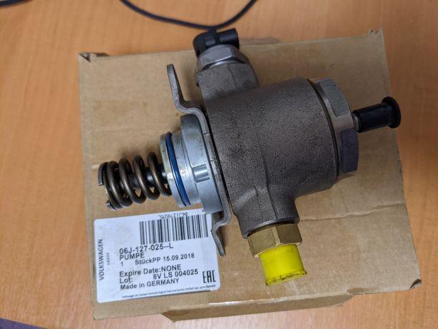 Насос топливный высокого давления (ТНВД) 06J127025L VAG
