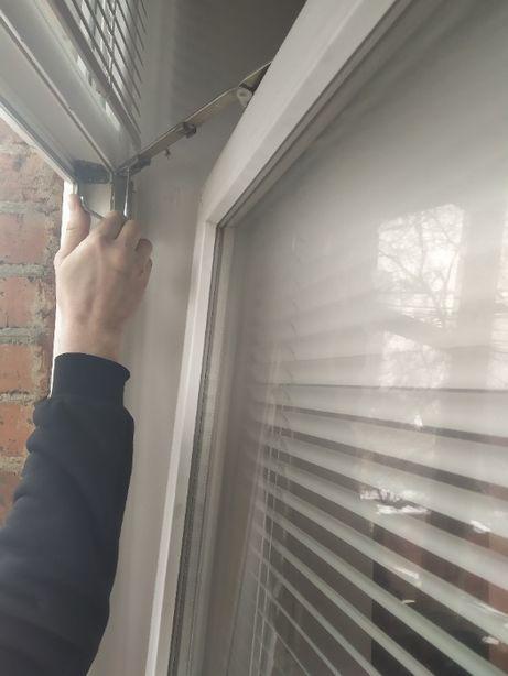 срочный ремонт окон и дверей, регулировка м/п окон,ремонт ролет,ролеты