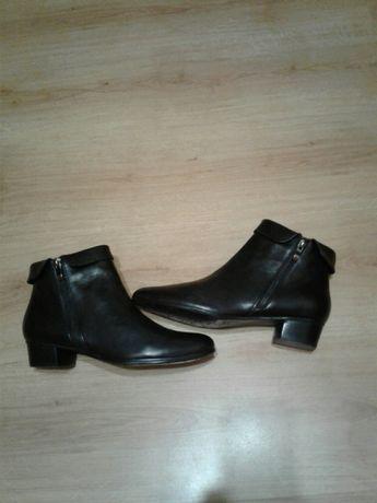 Жіночі черевики шкіра