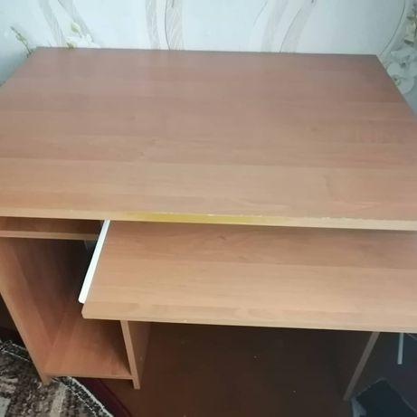 Продам небольшой компьютерный стол