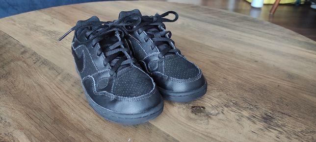 Buty chłopięce Nike rozm 31,5