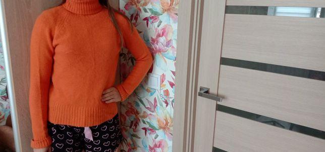 Продам женский свитер 44 р