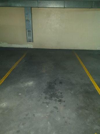 Lugar de garagem privado Capitólio