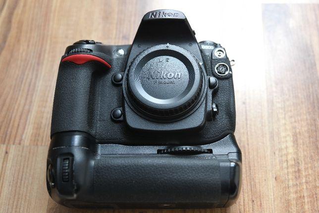 NIKON D300+MB-D10+2 baterie-KOMPLET
