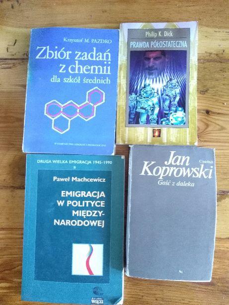 """Krzysztof M. Pazdro, """"Zbiór zadań z chemii dla szkół średnich""""."""