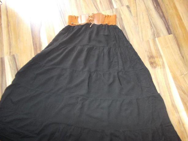 Czarna spódnica z szerokim, efektownym pasem. Jak nowa R. L/XL.