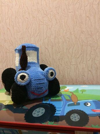 Синій трактор