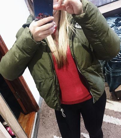 Матовая деми куртка цвета хаки, размер М, недорого
