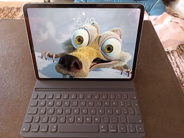 """iPad Pro 11"""" 64GB com teclado - troco por iPhone 12"""