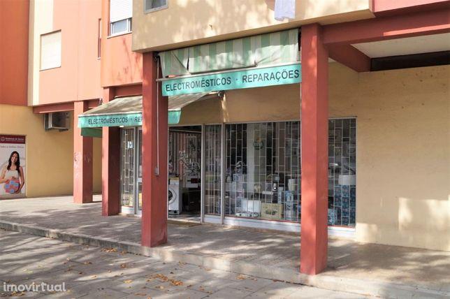 Loja em Vila Nova de Santo André