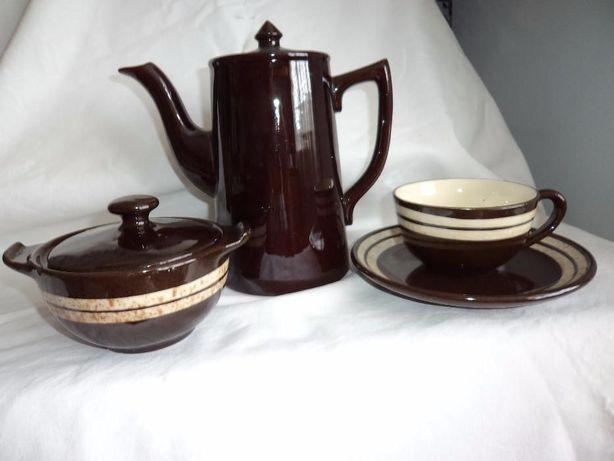 Conjunto de chá em louça inglesa
