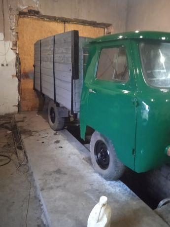Продам УАЗ 3303 бортовой