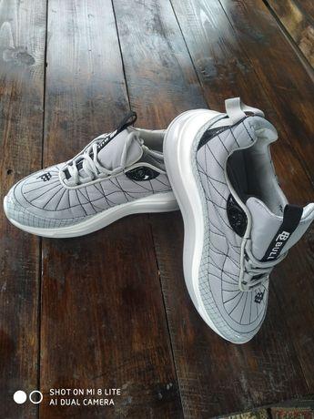 Нові кросівки BULL!!