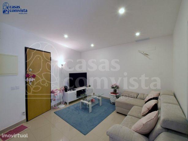 Apartamento Semi-novo T2 Centro Fátima
