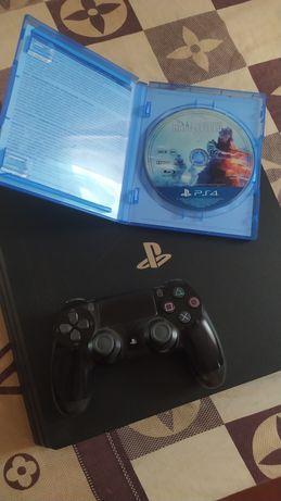 PlayStation 4 pro + в подарок диск