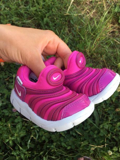 Кроссовки детские Nike Dynamo Free размер 19