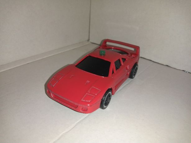 Ferrari F 40 firmy playwell z 1987r 1/43