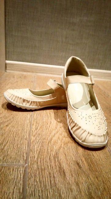 Туфли на липучках,для девочки!